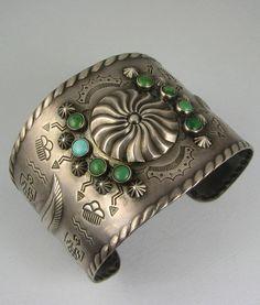 Vntg Navajo Harvey Era Wide Turquoise Bracelet w/Repousse