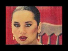 Sezen Aksu'nun en popüler, en çok dinlenen, en duygusal yirmi iki şarkısı. 00:00 - Vay Yine mi Keder 04:00 - Adı Bende Saklı 07:45 - Ben Sende Tutuklu Kaldım...