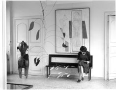 Peggy Guggenheim in The Peggy Guggenheim Collection, Palazzo Venier dei Leoni, Venice '60, photo by Gianni Berengo Gardin - love the picture, love the museum <3