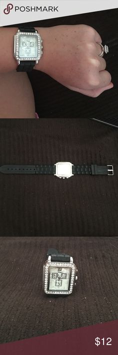 bling watch Never worn!                                                           the band is rubber so it's comfortable.                  this has been sitting in a box in my closet so make me an offer! Accessories Watches
