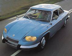 Panhard 24BT  Plus de découvertes sur Le Blog des Tendances.fr #tendance #voiture #bateau #blogueur