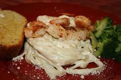 SusieQTpies Cafe: Fettuccine Alfredo -best ever recipe!