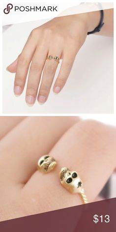 Skull Ring🙀💥coming soon💥 🚀 Get it ‼️❤️😍 Beautiful ring! Like to be notify of the arrival via drop price💥  Metals Type: Zinc Alloy, Silver Plated, Gold Plated.   👛💖 Jewelry Rings