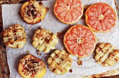 """Baked Fruit: 3 Ways: Baked Peach Parfait, Baked Grapefruit and Baked Apples or """"Opposite Apple Pie"""" Healthy Treats, Healthy Desserts, Healthy Recipes, Delicious Desserts, Fruit Recipes, Dessert Recipes, Desserts Sains, Baked Peach, Tasty"""