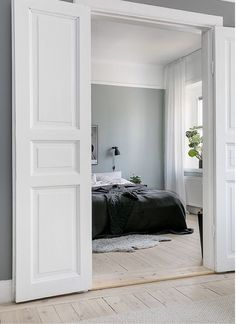 60 Interior Doors Ideas You& Love Enjoy Your Time is part of Interior inspiration bedroom Glass interior doors provide a variety of benefits to home owners They provide insulation and also deal - Bedroom Doors, Home Bedroom, Bedroom Door Decorations, Internal Double Doors, Awesome Bedrooms, Interior Barn Doors, Interior Inspiration, Bedroom Inspiration, French Doors