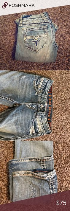 BRAND NEW ROCK REVIVAL WOMANS JEANS NEVER worn rock revival jeans - size 26 from the Buckle, the style is Susan-Straight. Fashonable and cute Rock Revival Jeans Straight Leg