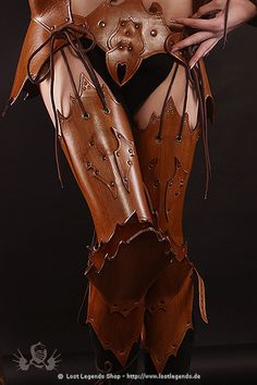 Sexy leather armor. Witch Elves, Elf Armor, Fantasy Armor, Medieval Fantasy, Female Armor, Fantasy Costumes, Cosplay Costumes, Angel Outfit, Leather Armor