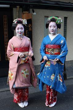 Kotohajime 2014: Maiko Tomitsuyu and Maiko Tomitae (Tomikiku)