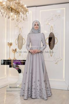 Pınar Şems Yıldız Abiye - 485,00 TL - Setri Moda Tesettür Giyim Hijabi Gowns, Pakistani Dresses Casual, Indian Fashion Dresses, Hijab Fashion, Hijab Evening Dress, Hijab Dress Party, Muslimah Wedding Dress, Desi Wedding Dresses, Muslim Women Fashion