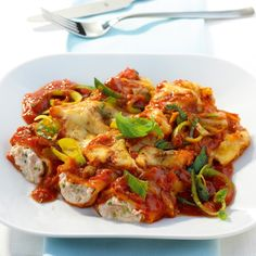 Now cook tuna cannelloni in 40 and discover numerous other Weight Watchers recipes. Now cook tuna cannelloni in 40 and discover numerous other Weight Watchers recipes. Clean Eating Vegetarian, Easy Vegetarian Dinner, Clean Eating Meal Plan, Clean Eating Recipes, Eating Healthy, Low Carb Vegetarian Recipes, Healthy Crockpot Recipes, Healthy Breakfast Recipes, Cannelloni Recipes