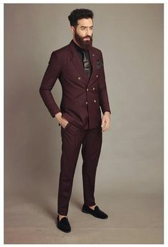 Oxblood suit for men: perfect evening wear paired with black suede loafers