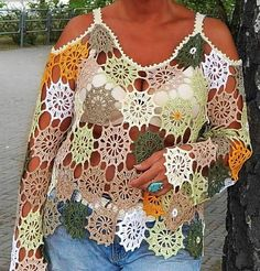 Tina& handicraft : crochet shirt with circular motifs T-shirt Au Crochet, Crochet Bolero Pattern, Pull Crochet, Crochet Shirt, Crochet Summer Tops, Black Crochet Dress, T Shirt Diy, Crochet Fashion, Crochet Designs