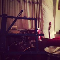 A corner of the studio. Just waiting. It's... peaceful at night. #studio #guitar #legend #session #stpaulslifestyle #drum http://www.stpaulslifestyle.com/