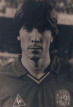 FRANCISCO JOSÉ CARRASCO HIDALGO CARRASCO 6/03/1959 Alcoy, Alicante (España) Goles: 5 Partidos Jugados: 35