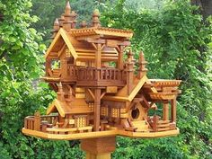 OH WOW!!!! I SO wish I had a house like this. #woodenbirdhouses