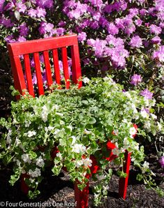 Try this tutorial for a diy chair planter. Garden Deco, Garden Art, Garden Design, Recycling, Diy Recycle, Reuse, Unique Gardens, Amazing Gardens, Flower Bed Designs