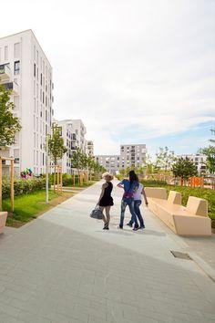 Коллекция Simple представляет собой композицию изтрех элементов, предназначенную для оформления общественных городских пространств. Sidewalk, Simple, Walkways, Pavement, Curb Appeal