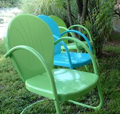 turquoise and lime: metal lawn chairs