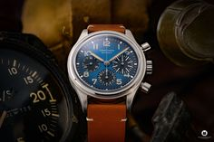 The Longines Avigation BigEye L2.816.1.93.2 is a pilot watch fan's dream. Everything about the special watch with the historical design! Watch Fan, Watch Blog, Watches Photography, Retro Design, Omega Watch, Pilot, Brown Leather, Pilots, Tan Leather