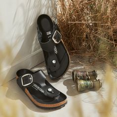 Discover new sandals and shoes for the season. Birkenstock, All Fashion, Fashion Trends, Summer Collection, Metal, Spring Summer, Sandals, How To Wear, Shopping