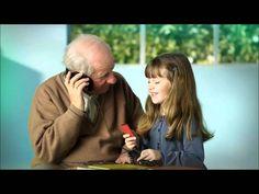 video- abuelos y nietos hablan de la tecnologia