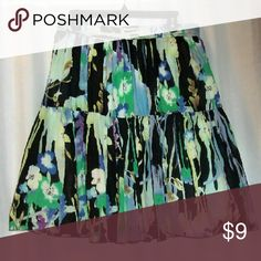 "Old Navy peasant skirt size medium Waist 31"" 3_4"" stretch in waist. Length 22"" Pull on. Lined. Really great condition. Old Navy Skirts"