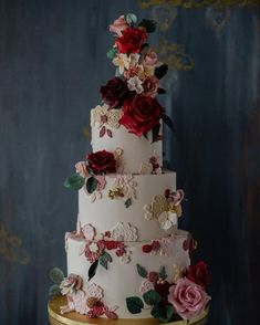 37 Eye-Catching Unique Wedding Cakes - Embroidery wedding cake #weddingcake #weddingcakes