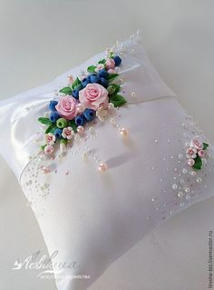 Wonderful Ribbon Embroidery Flowers by Hand Ideas. Enchanting Ribbon Embroidery Flowers by Hand Ideas. Ribbon Embroidery Tutorial, Floral Embroidery Patterns, Silk Ribbon Embroidery, Hand Embroidery Designs, Pillow Crafts, Diy Pillows, Ring Pillow Wedding, Wedding Pillows, Cushion Cover Designs