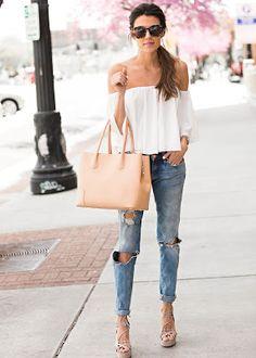 3a4921a2a904 Sandalias de Verano White Off The Shoulder Top Outfit