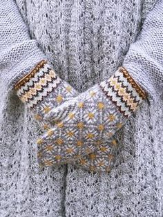 31 Best ideas for crochet gloves mittens ravelry Knitted Mittens Pattern, Crochet Mittens, Crochet Gloves, Baby Knitting Patterns, Knitting Stitches, Knitting Socks, Hand Knitting, Knit Crochet, Ravelry Crochet