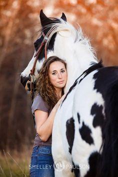 Senior photos with your best friend - your horse! Minnesota Equestrian Photographer - Senior portraits.