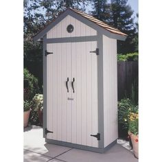 Free Woodworking Plans Garden Shed Plan Organic living is the way to go these days! This Garden Shed Woodworking Plan gives you that perfect storage for your organic garden! The Garden Shed is just the right size for your b Diy Storage Shed Plans, Small Shed Plans, Wood Shed Plans, Small Sheds, Shed Building Plans, Free Shed Plans, Storage Sheds, Door Storage, Cabin Plans
