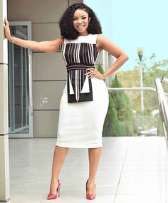 Serwaa Amihere is known for wearing classic dresses on set which inspire many young ladies. From corporate wear, casual wear, African prints and more. Classy Work Outfits, Office Outfits Women, 30 Outfits, Classy Dress, Fashion Outfits, Fashion 2018, Fashion Boots, Stylish Outfits, Fashion Brands