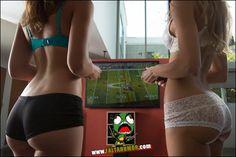 MULHERES GOSTOSAS JOGANDO VÍDEO GAME! ~ Curiosidades