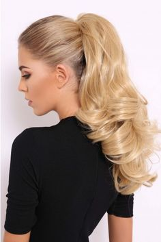 Bouncy ponytail babes holla - add insta-glam hair with these luxurious bouncy on fleek ponytails. In a great range of shades of brunette, brown, blonde and black hair! Long Ponytail Hairstyles, Blonde Ponytail, Curly Ponytail, Ponytail Hair Extensions, Long Ponytails, Top Hairstyles, Blonde Hair Black Girls, Brown Blonde, Balayage Hair Brunette Long