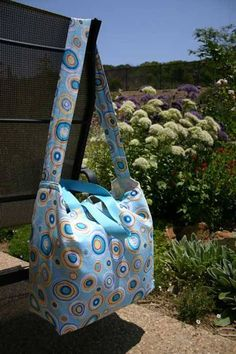 Free Bag Pattern and  Tutorial - Very Easy Tote Bag