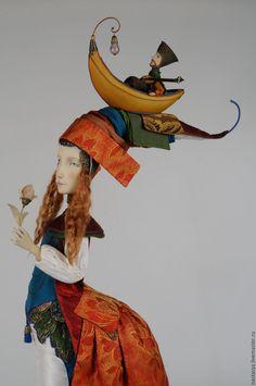 Купить или заказать Авторская кукла 'Жена поэта' в интернет-магазине на Ярмарке Мастеров. Кукла изготовлена частично из паперклея, одежда - из старинного шелка. Подставка в виде морских камней - из экзотической древесины.