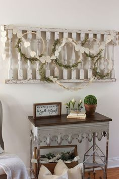 Sharing the best vintage decor on Etsy for vintage collectors. Also sharing some photos for how to style each of your collections.
