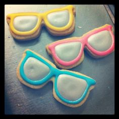 Stay Cool! Sunglasses cookies.