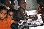 Autolla Nepaliin. Matkan tavoitteena oli saada kathmandulaisen turvakodin naisille omia tuloja, ja täten heille mahdollisuuden rahoittaa itse opintojaan. Matkan ansiosta maaliskuuhun 2014 mennessä Nepaliin oli rakennettu kaksi koulua, palkattu vuodeksi kolme opettajaa ja kerätty yli 70 000 euroa.
