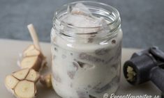 Vitlökssill Mason Jars, Pudding, Desserts, Food, Velvet, Meal, Custard Pudding, Deserts, Essen