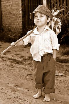 Sepia - little boy on a mission Precious Children, Beautiful Children, Beautiful Babies, Vintage Photographs, Vintage Photos, Cute Kids, Cute Babies, Kind Photo, Foto Madrid