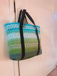 Weaving Projects, Weaving Techniques, Bago, Loom, Purses And Bags, Diaper Bag, Hand Weaving, Projects To Try, Textiles