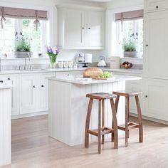Bildresultat för liten köksö med sittplatser