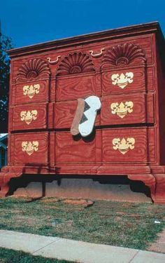 World's Largest Chest of Drawers: High Point, North Carolina