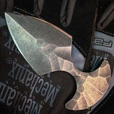 I can't think of a cooler blade for concealed carry. Credit goes to @ap_blades thanks a lot mate! Love guns we'll be sure to check out @tacticalguns #knifecommunity #knifeaddict #knives #knife #knifegasm #knifepics #knifeporn #tacticalknife #tactical #americaknife #survivalknife #survivalknives #edc #fightingknife #campknife #bushcraft #bushcraftknife #outdoor