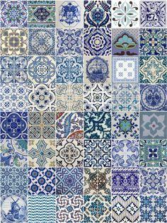 Adesivo com estampa de azulejo português antigo (retrô), para paredes, móveis e objetos.