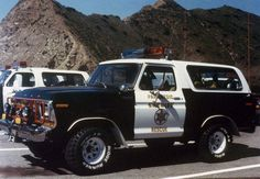 old ford trucks Old Police Cars, Police Truck, Ford Police, 1979 Ford Truck, Ford Pickup Trucks, Chevy Trucks, Lifted Trucks, Lifted Ford, Ford Obs