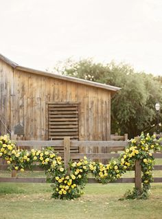 A beautiful and romantic yellow rose garland perfect for a rustic barn wedding both indoor and out Rose Garland, Floral Garland, Farm Fence, Southern Weddings, Country Weddings, Living At Home, Country Life, Country Living, Country Style