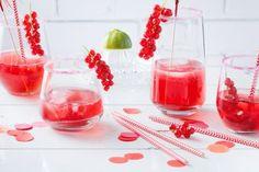 Granatapfel-Drink Drinks, Drink, Paper, New Years Eve Drinks, Virgin Cocktails, Pomegranate, Kid Recipes, Drinking, Beverages